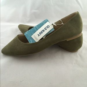 Old Navy NEW olive faux suede flats size 7